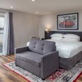 The Rosebud Suite<br> 1 King Bed